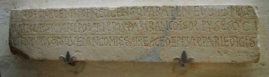 Inscription dédicatoire, ancienne Prévôté 1549-Mairie de Créon